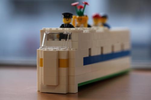 shinkansen_lego.jpg